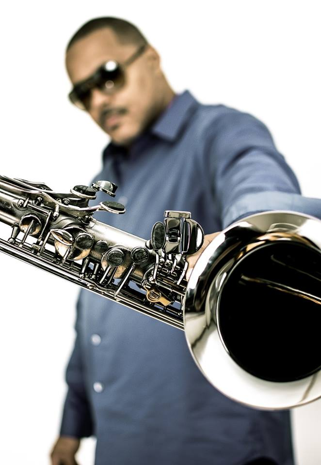 Najee - 2015 - Sax in front